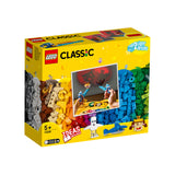 LEGO® CLASSIC Bricks and Lights