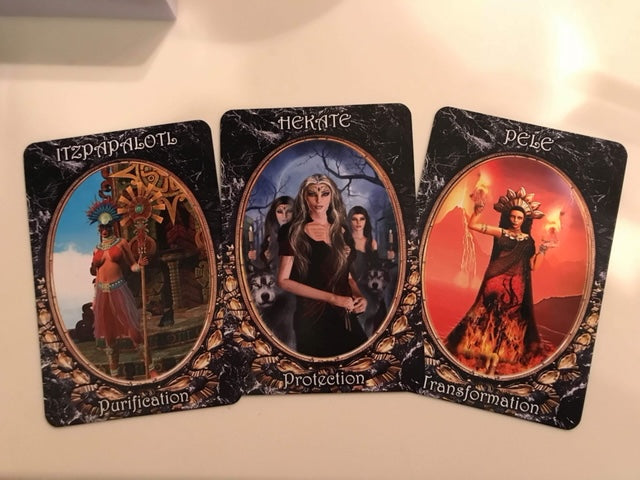 Oracle, Oracle reading, Oracle cards, free oracle reading, love, healing, divination, penatcle, intuition, psychic reading, dark goddess oracle deck