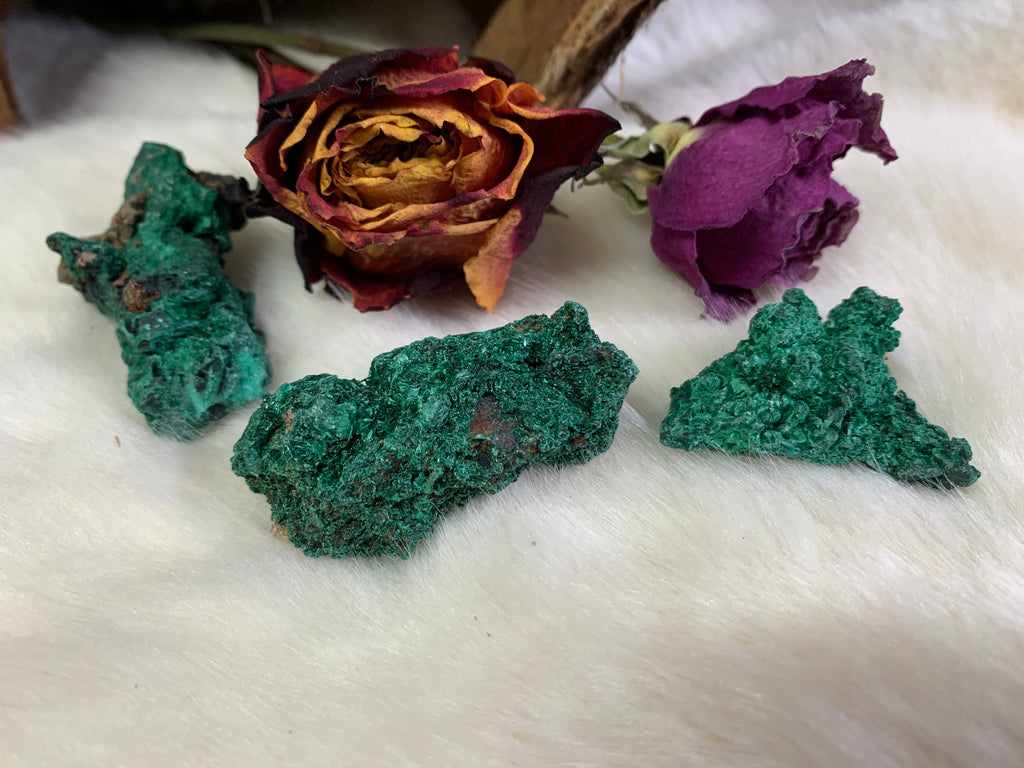 CRYSTAL, HEALING, CHAKRA, HEART CHAKRA, WITCH, WITCHCRAFT, METAPHYSICAL STORE, REIKI, CRYSTAL HEALING
