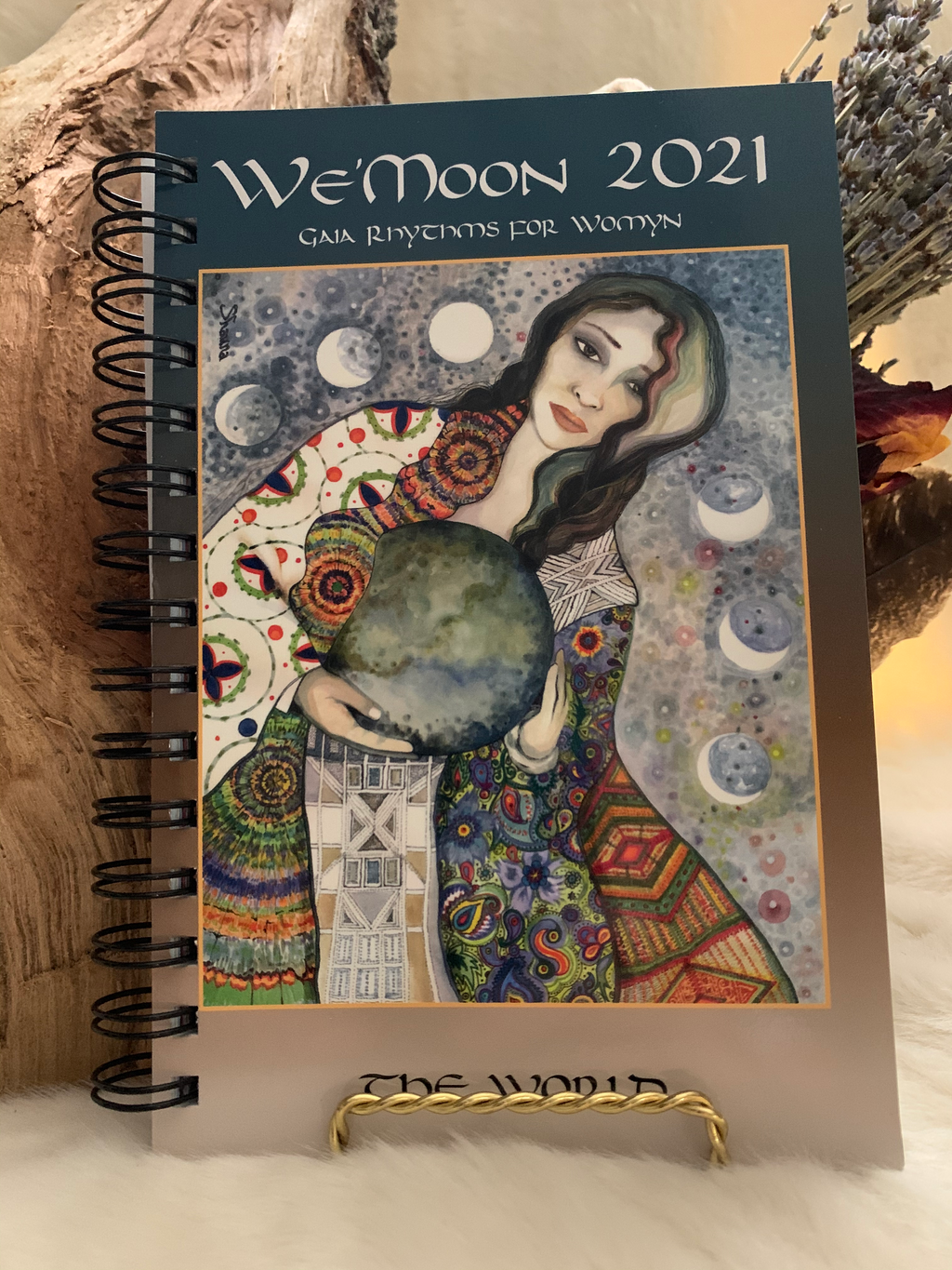 WEMOON, DATEBOOK, WE'MOON, CALENDAR, MOON PHASES, JOURNAL, YEAR, WHEEL OF THE YEAR, GAIA, RHYTHMS, WOMEN'S