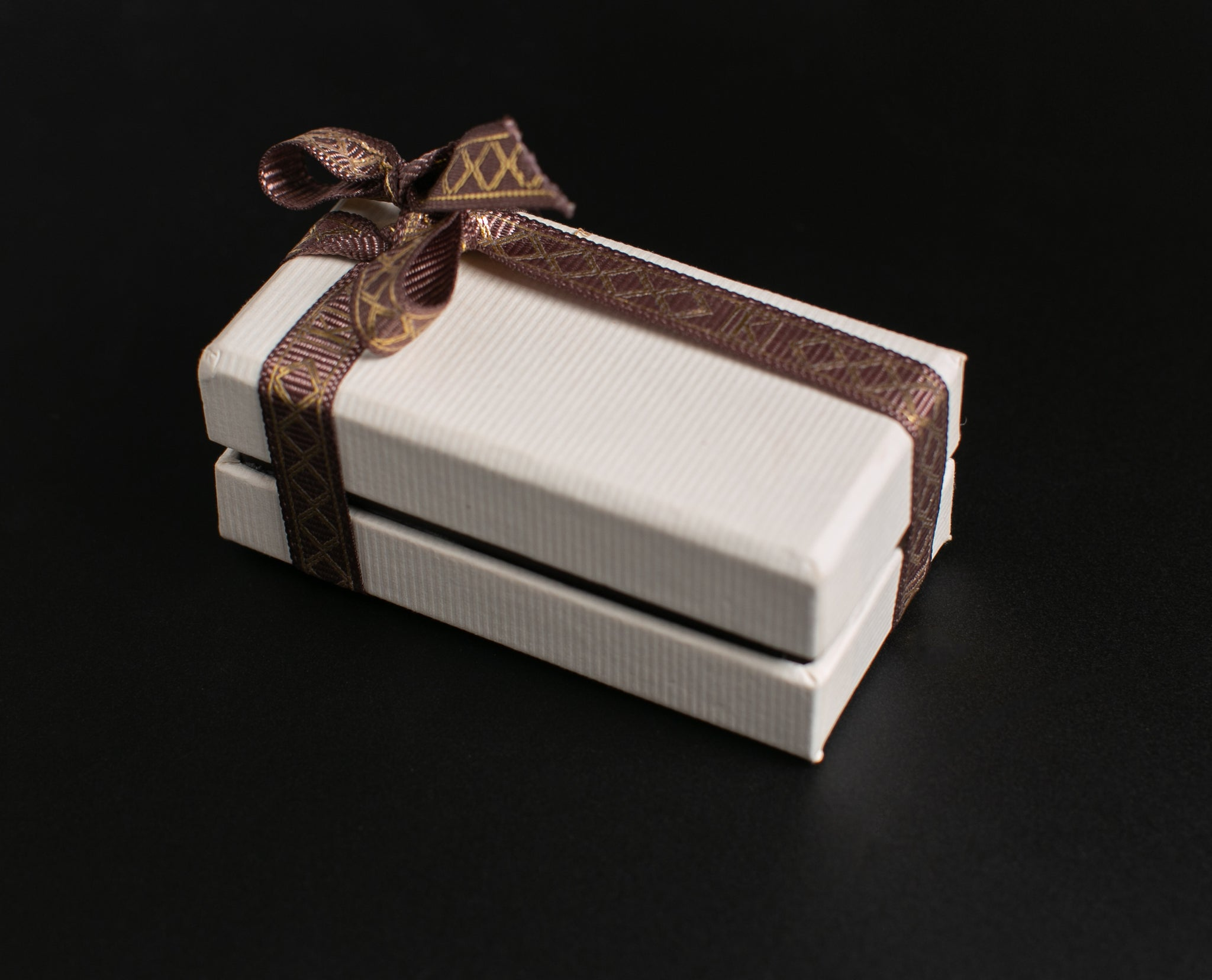 hardboard white 2 piece chocolate