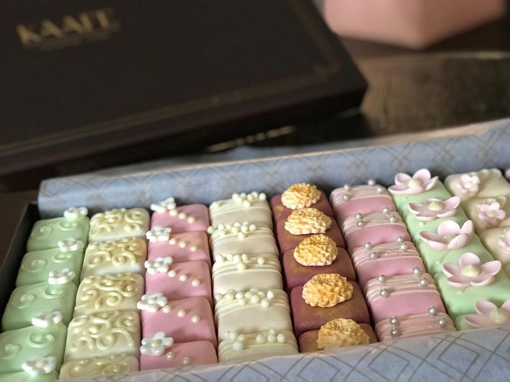 Royal Petit Four