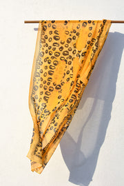 The GOLDEN SPOT Scarf
