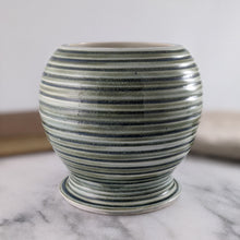 Load image into Gallery viewer, Jasmine Vase