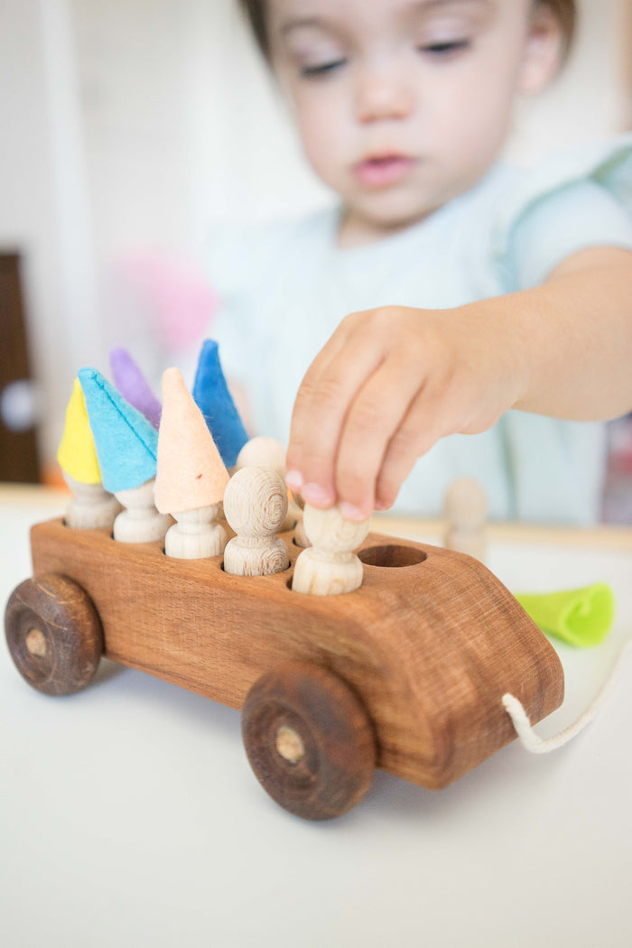 Car pull along toy with 10 sorting wooden peg people in multi-colored felt hats - PoppyBabyCo