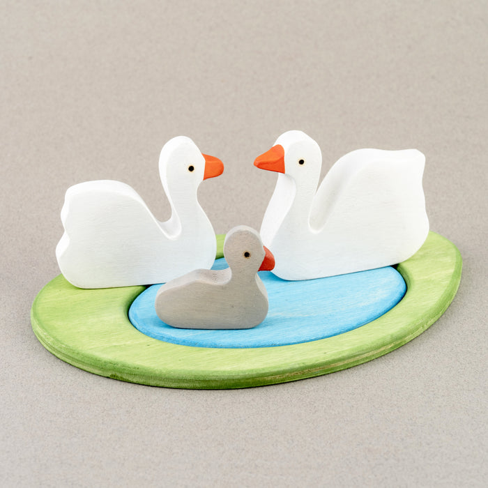 Waldorf Wooden Swan Family Set painted- 3 pieces