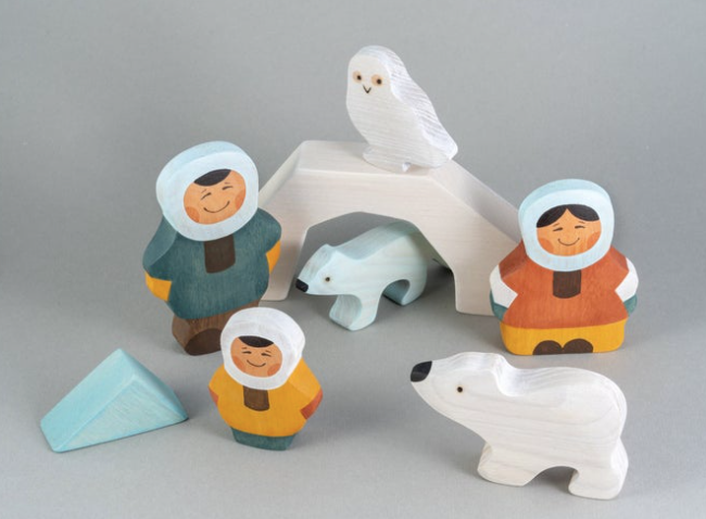 Wooden Arctic Inuit Family Set of 3