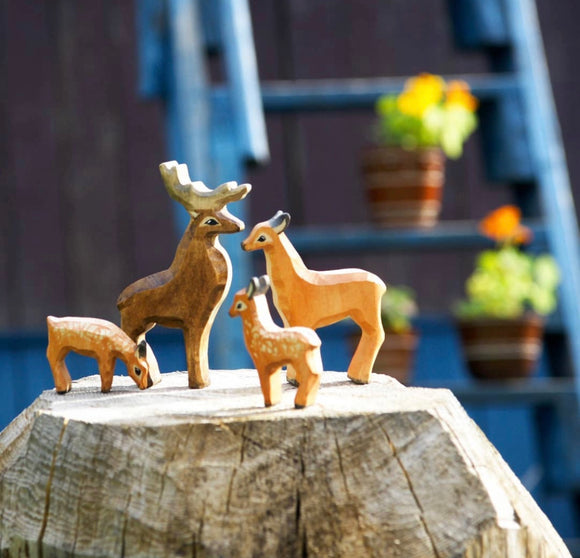 Small Wooden Deer Figurines set of 4