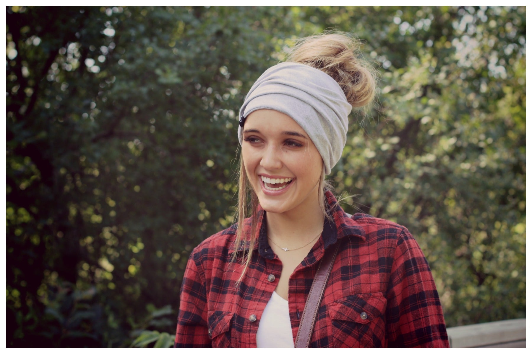 Pretty Simple - Light Gray Peek-a-Boo Beanie