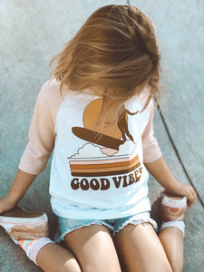 Good Vibes Raglan - White/Peach
