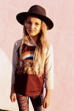 Load image into Gallery viewer, STAY GOLDEN Raglan tee - Brown