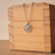Load image into Gallery viewer, Silver Bee Necklace