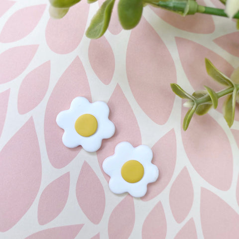 White Daisy Statement Studs