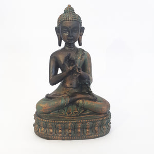 buddha in sitting pose