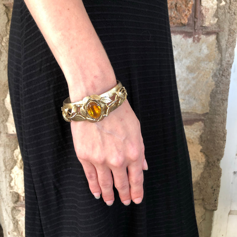 1970s Whiting and Davis Gold and Amber Glass Bangle Bracelet