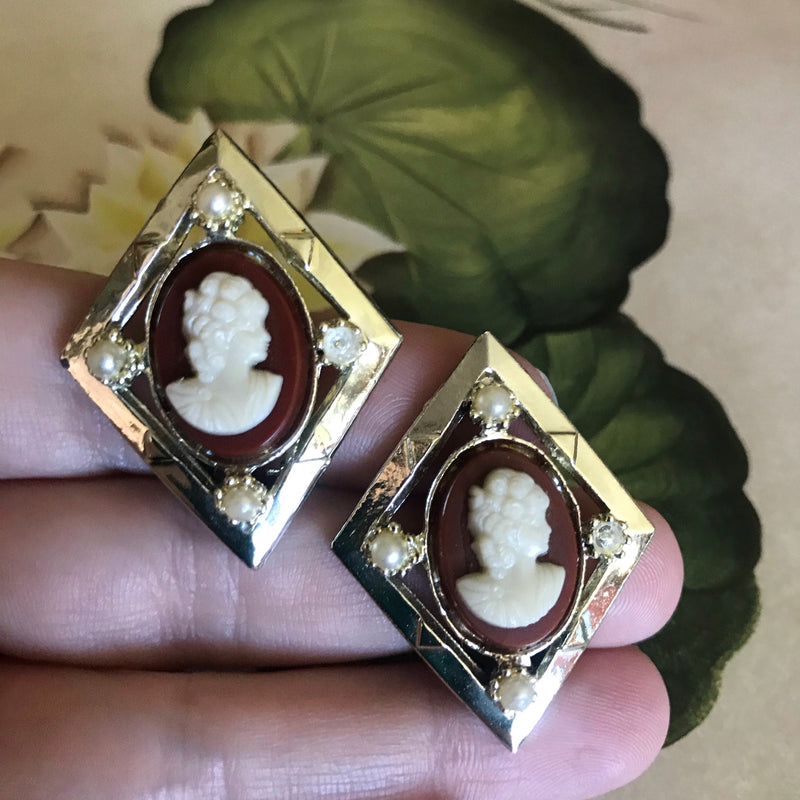 Sarah Coventry Cameo Clip Earrings