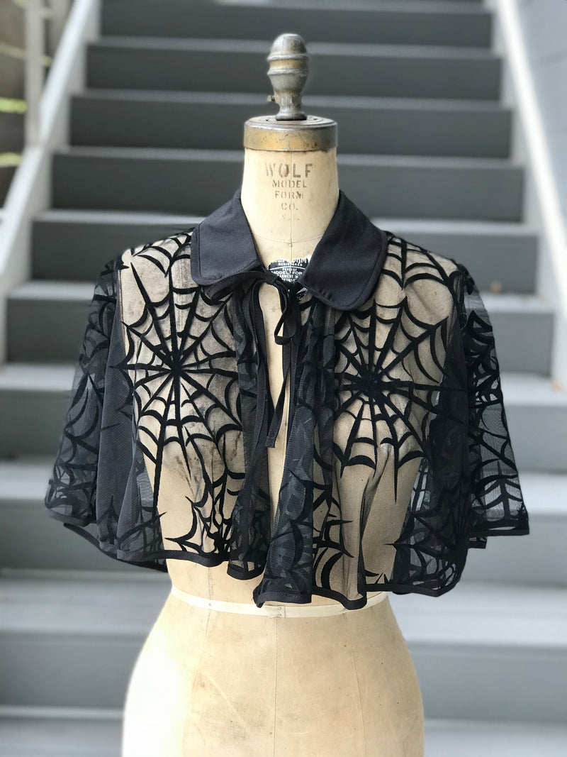 """Unique Vintage"" Spiderweb Velvet Flocked Cape"