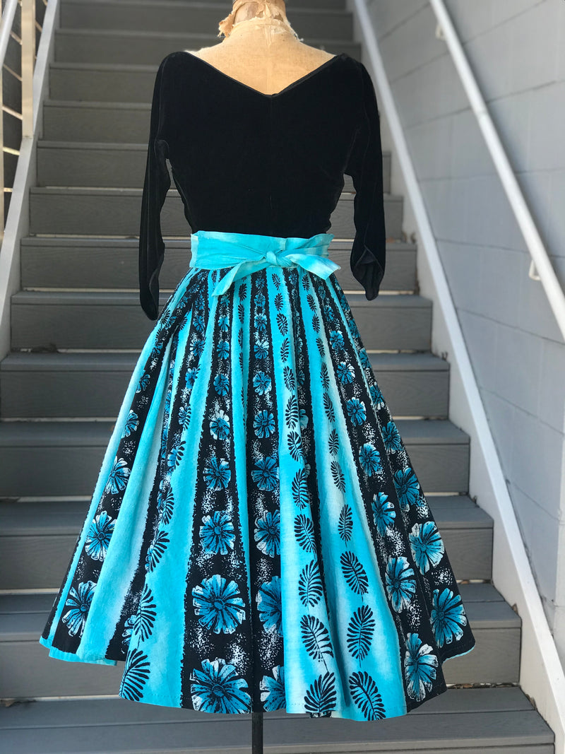 1950s Foliage Printed Mexican Circle Skirt