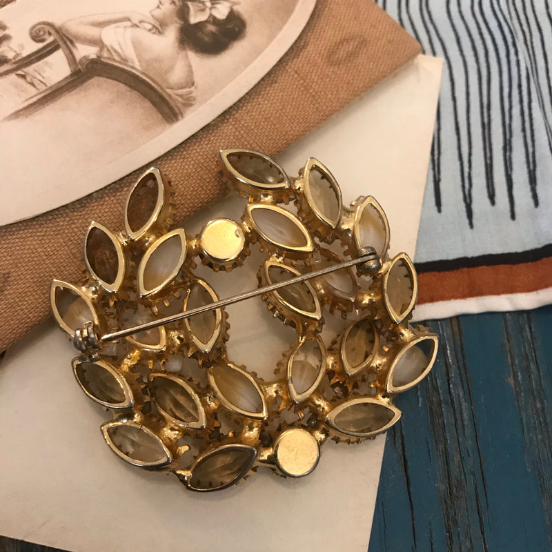Shades of Citrine Wreath Brooch
