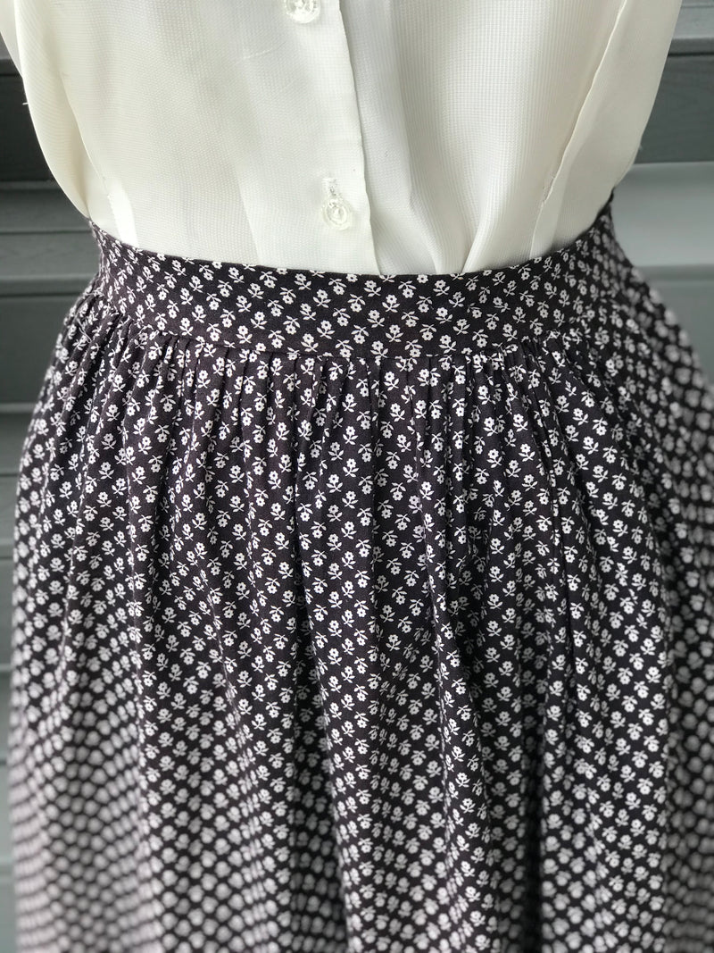 1950s Monochrome Rose Calico Lawn Skirt