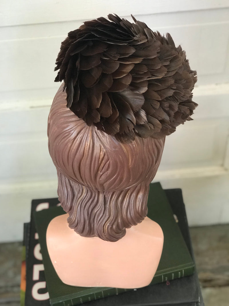 1960s Feather Pincone Spiral Pillbox Hatt