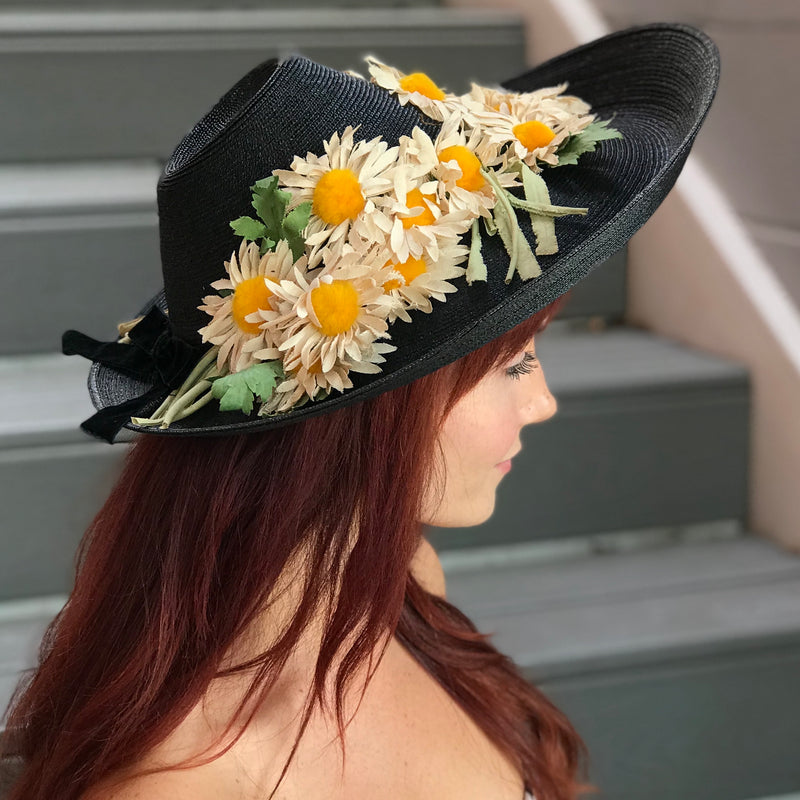 1950s Black Straw Platter Hat with Daisy Accents