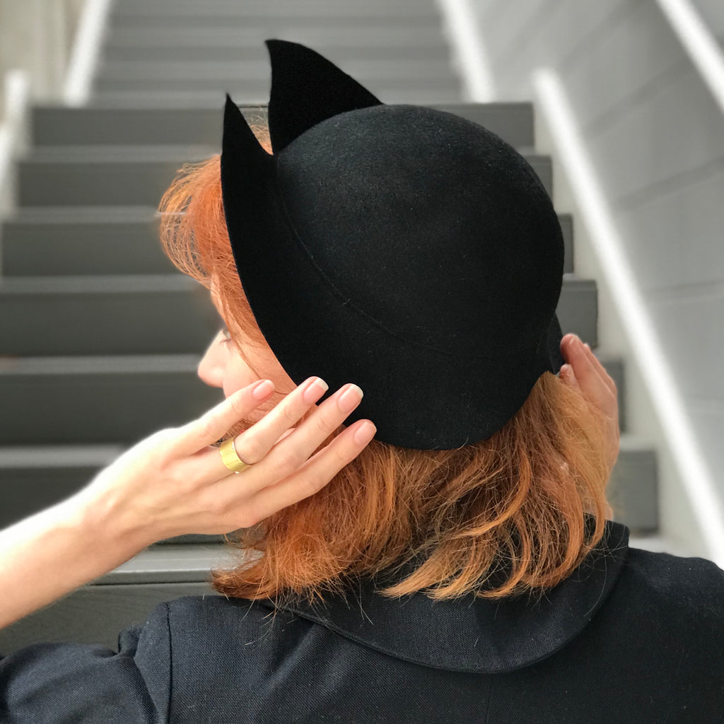 1930s Slit Bill Asymmetrical Felt Hat