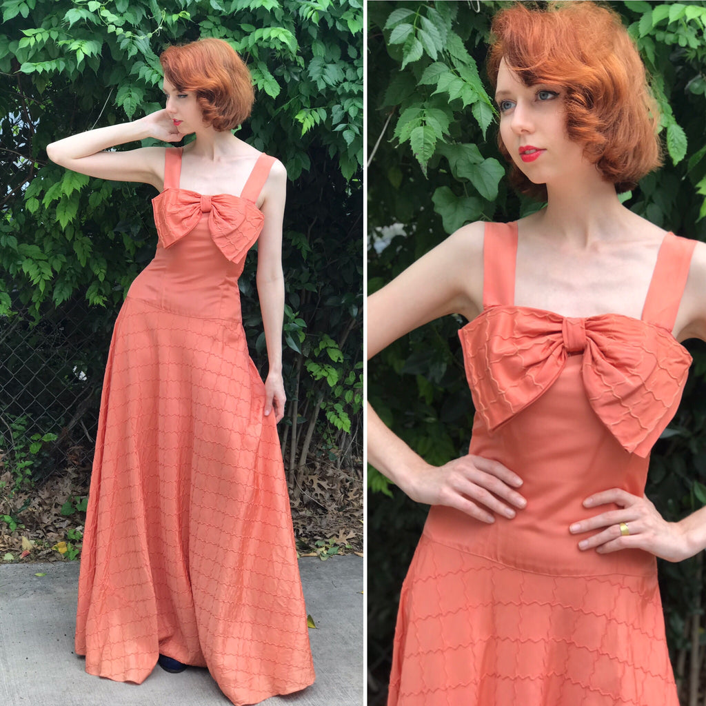 1940s Salmon Quilted Sean Tuck + Bow Gown