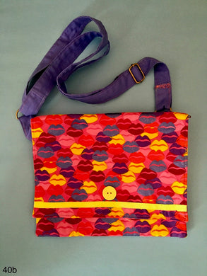 Adjustable Shoulder Tote with Zipper