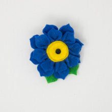 Load image into Gallery viewer, Felt Flower with Brooch Pin