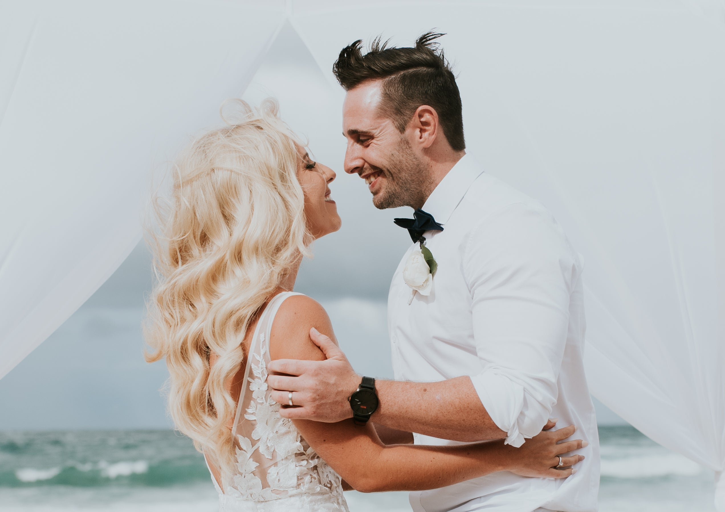 beach wedding made with love and glamour wave hair style