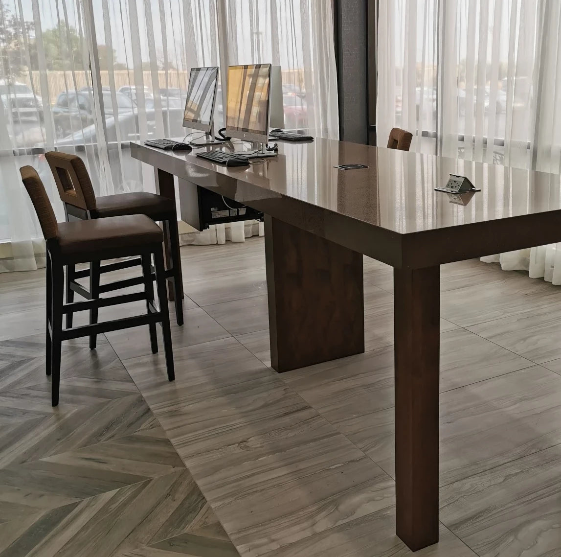 Lobby social/networking tables | furniture | HYC Design