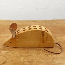Load image into Gallery viewer, Drei Blatter Wooden Pencil Holder - Mouse