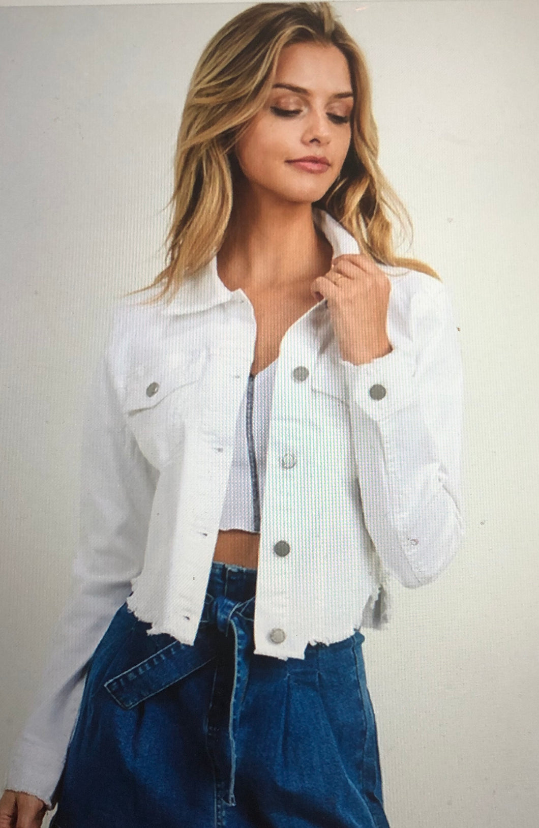 White cropped/frayed jean jacket