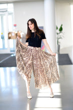 Load image into Gallery viewer, Animal print pleated wide leg pants
