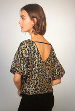 Load image into Gallery viewer, Puff Sleeve sequin top