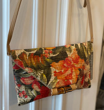 Load image into Gallery viewer, Sondra Roberts Woven Floral Crossbody/Clutch