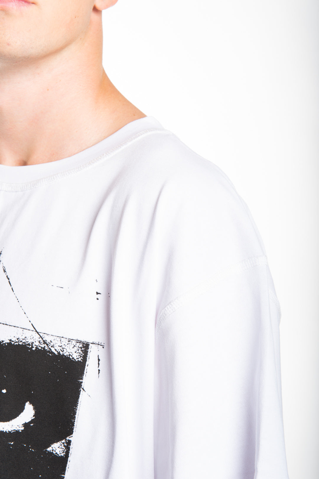 """SIX YEARS OF THE VISION"" Oversized Shirt - WHITE"