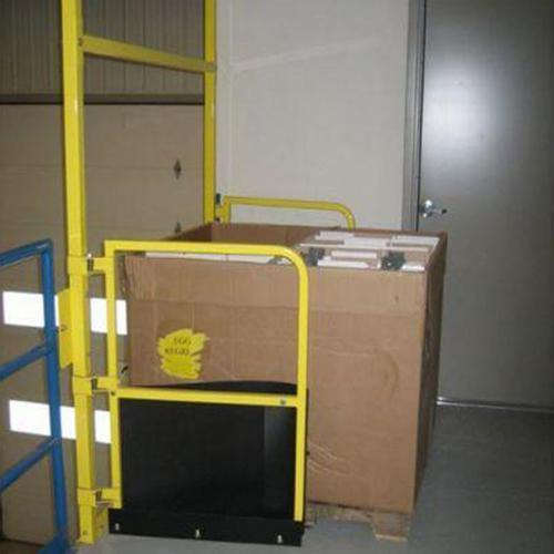 Pallet Flow Safety Gate - Dakota Safety