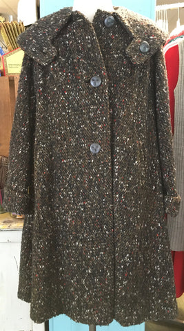Adorable 1960s Wool coat with Great Details