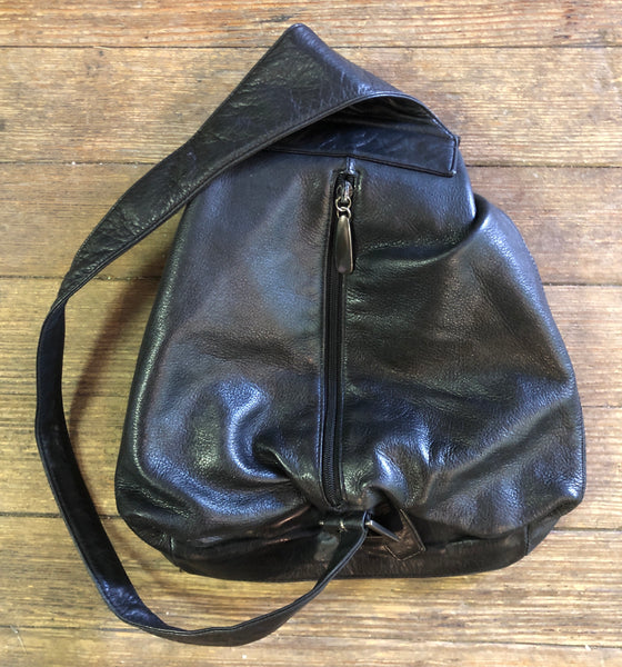 Quality 90s DKNY Leather Side Sling Bag Purse