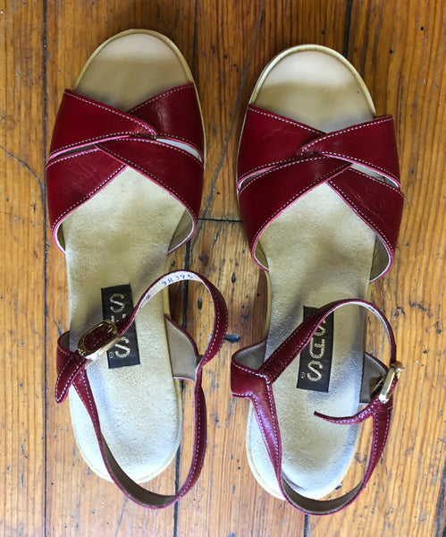 Cute as a Button SAS Sandals size 6