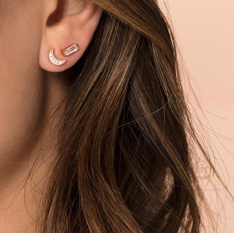 Leah Alexandra - Earrings Luna Crescent Moon Studs Gold