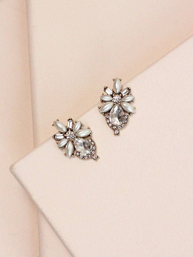 Olive and Piper - Pearl Floret Studs