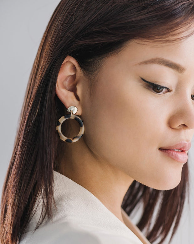 Lover's Tempo - Odessa Hoop Earrings Tortoise