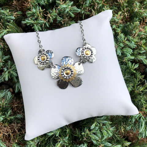 3 Flower Necklace