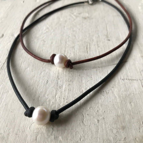 Pearl Leather Choker