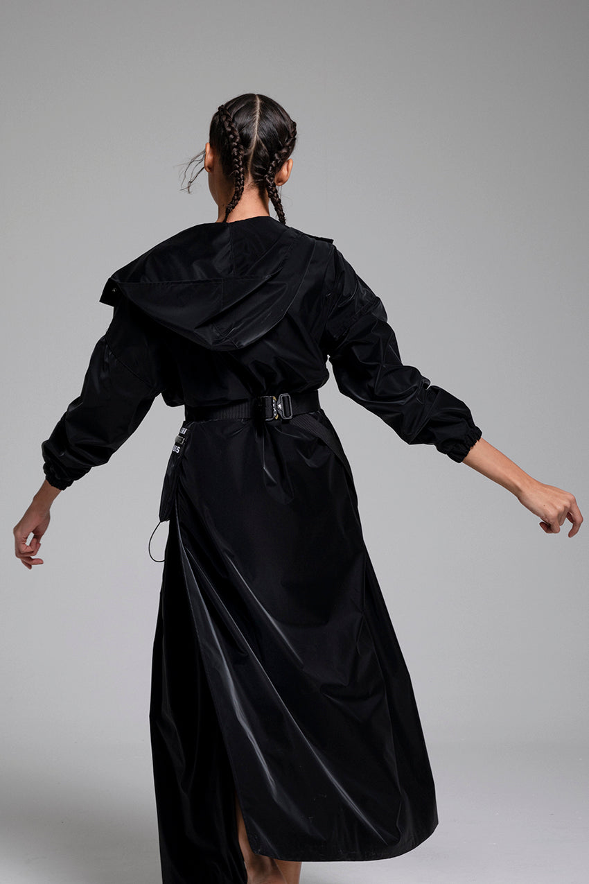 Regnal, a matte black long coat with detachable pockets