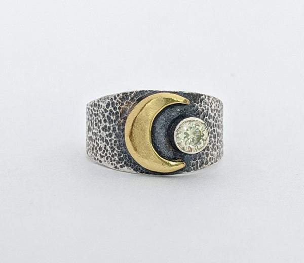 Sterling Silver and Brass Moon Ring with a Peridot Stone. Size 7 1/4 US