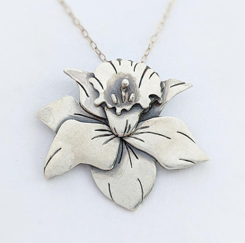 Sterling Silver Daffodil Necklace